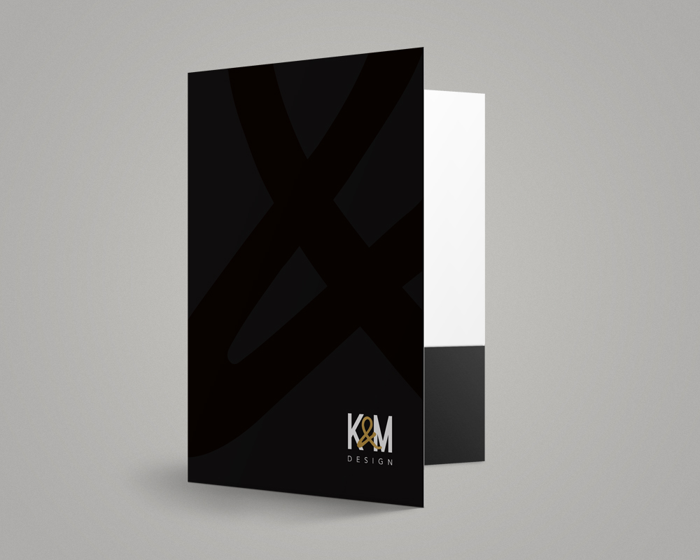 K&M Design / Folder with spot varnish and gold stamp